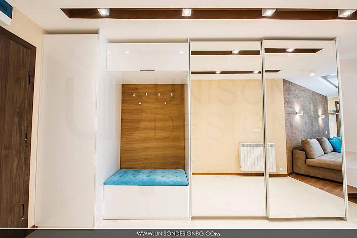 Антре-коридор-бяло-кафяво-интериорен-дизайн-реализация-antre-koridor-interioren-dizajn-mebeli-po-porachka