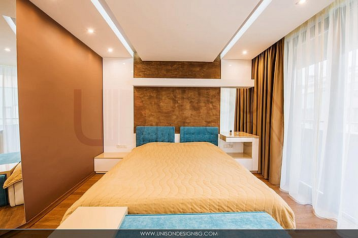 Спалня-тоалетка-табуретка-кафява-синьо-легло-реализация-гардероб-spalnq-мебели-по-поръчка-строителство-ремонт-proektirane