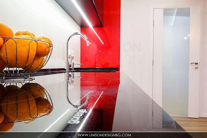 модерно-кухненско-обзавеждане-кухня-бяло-черно-червено-интериорен-дизайн-дневна-трапезария-реализация-хол-hol-dnevna-interioren-dizajn-unison-design_8
