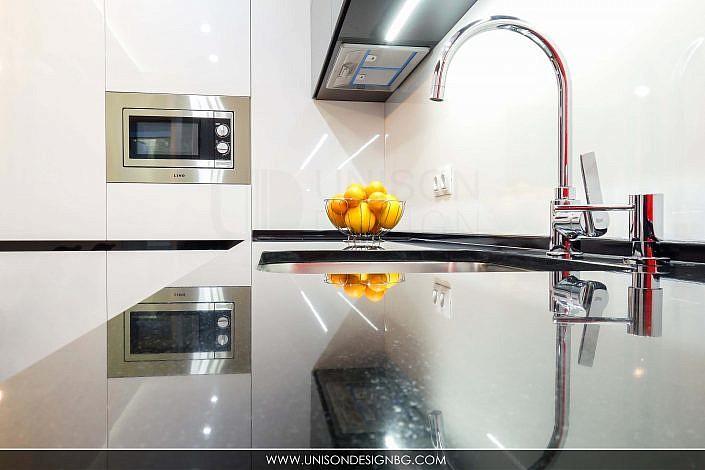 модерн-кухня-плот-черен-гранит-бяло-черно-червено-интериорен-дизайн-дневна-трапезария-реализация-хол-hol-dnevna-interioren-dizajn-unison-design_9
